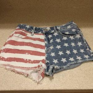 Bullhead Flag Jean Shorts